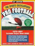 Sports Encyclopedia: Pro Football - David S. Neft - Paperback