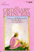The Ordinary Princess - M. M. Kaye - Paperback