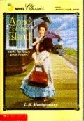 Anne of the Island (Anne of Green Gables Series #3)