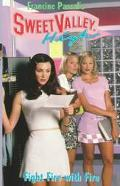 Fight Fire with Fire (Sweet Valley High Series #137) - Francine Pascal - Mass Market Paperback