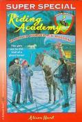 Haunted Horseback Holiday - Alison Hart - Paperback
