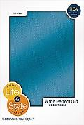 Life and Style Pocket Bible: Still Water - Nelson Bibles - Paperback - Blue Imitation Leather