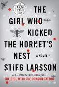 The Girl Who Kicked the Hornet's Nest (Random House Large Print)