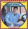 Bus Driver/El Conductor Del Autobus El Conductor Del Autobus