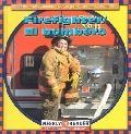 Firefighter/El Bombero