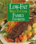 Low-Fat Ways to Cook Family Favorites - Susan M. McIntosh - Hardcover - SPIRAL