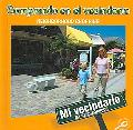 Comprando En El Vecindario / Neighborhood Shopping